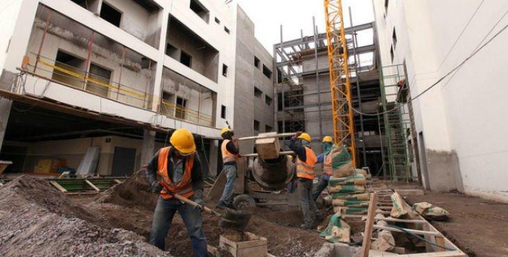 Empresas de construcción y la industria en Baleares reinician operaciones